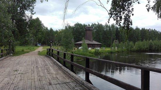 Museum of Wooden Architecture: В музее несколько мостиков через водоемы.