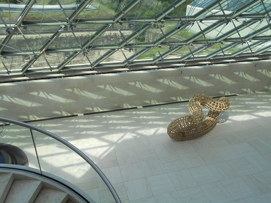 Mudam Luxembourg Modern Art Museum: Here and there