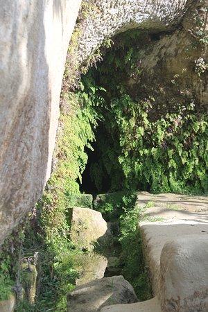 Le Grotte - Museo della Civiltà Contadina ed Insediamento Rupestre : Quelle
