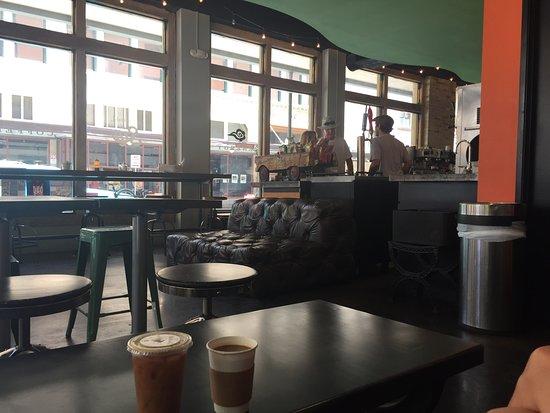 Sip Brew Bar & Eatery Foto