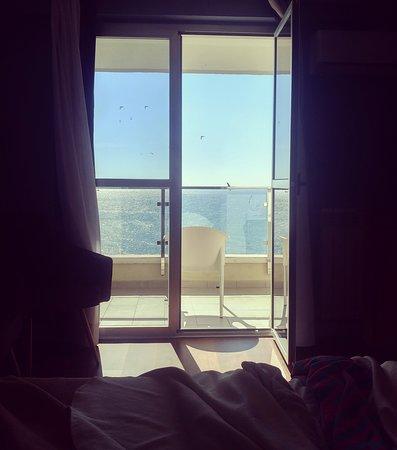 La Barracuda Hotel: Amanecer contemplando el mar en la habitación 714