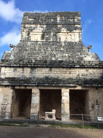 Exclusive: Early Access to Chichen Itza with a Private Archaeologist: Chichen Itza