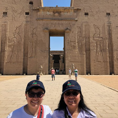 Amazing Global Travel: Private tour in Cairo and Luxury Nile cruise  Sonesta Saint George