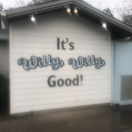 Willy Burger: OMG. We stop here on our trip from Lafayette, Louisiana to San Antonio,Texas in January.