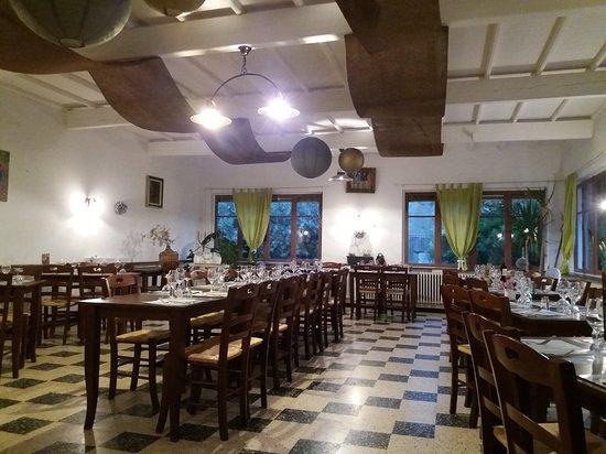 Flassan, Frankrike: Restaurant Bar Le Mont Ventoux