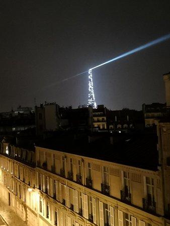 หอไอเฟ่ล: Eiffel Tower