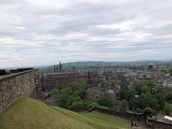 ปราสาทเอดินเบิร์ก: Some of the views from the castle