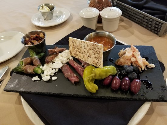 Goldmoor Inn: Charcuterie board was delicious!