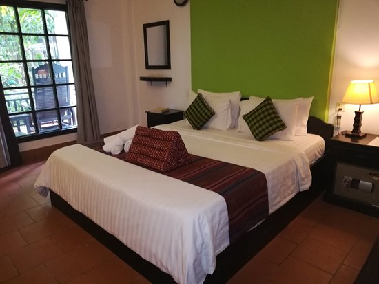 Sonalong Boutique Village & Resort: The bed in my room