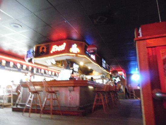 Logans Roadhouse : THE BAR AREA