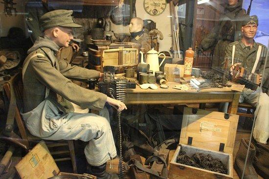 Musee de la Batailee Des Ardennes : nachladen