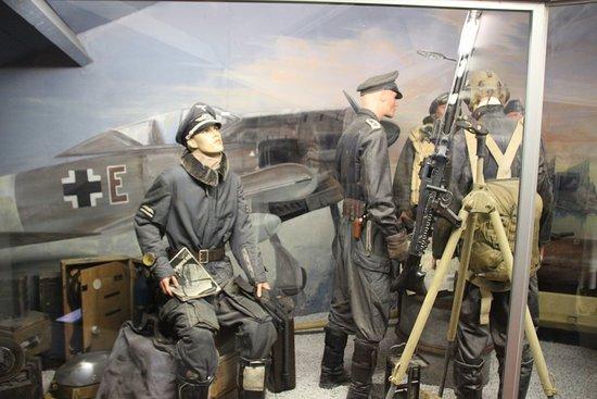Musee de la Batailee Des Ardennes : Deutsche Staffel