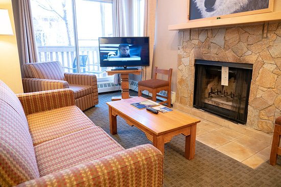 Banff Rocky Mountain Resort: Two Bedroom Condo