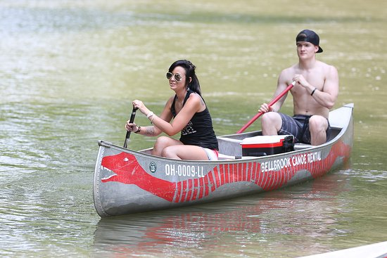 Bellbrook Canoe Rental: Enjoying the river!