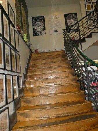 250jährige Treppe in den Bücherhimmel