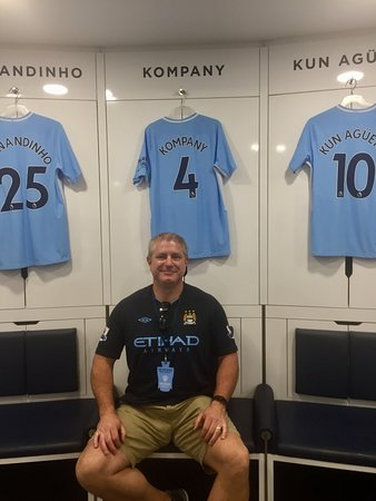 Etihad Stadium : Pic in the home changing room with the captain's jersey!