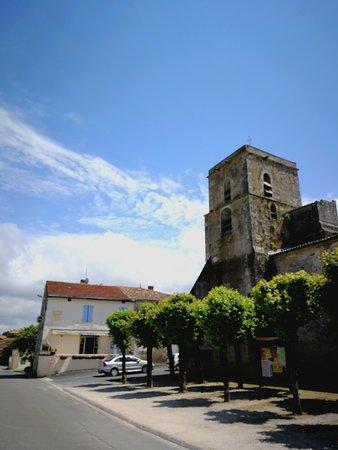 Brasserie Saint Thomas: Le Saint Thomas, place de l'église