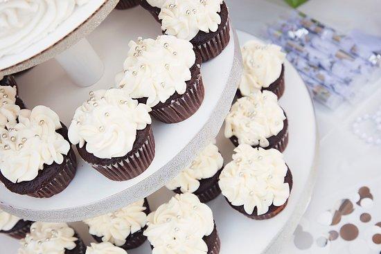 Beautiful Cakes/Cupcakes