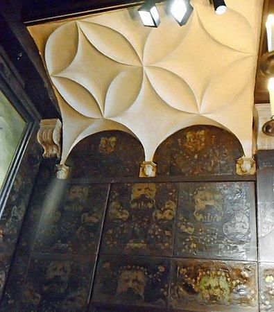 Musée Plantin-Moretus: Chambre des correcteurs: dénomination de la salle au-dessus de la porte