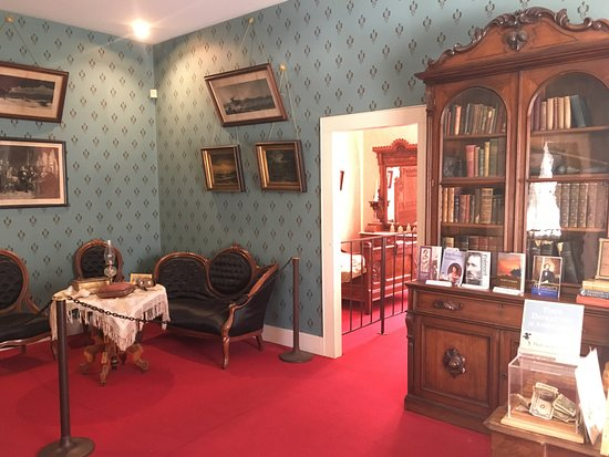 Sharlot Hall Museum: One room in the Frémont House
