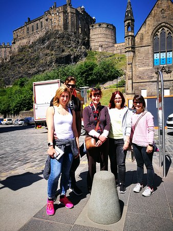 Helen's Edinburgh Welcome Tours: Seeing the Castle!