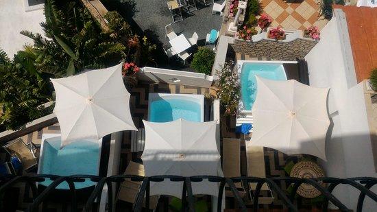 Hotel La Floridiana : Camere deluxe viste dal terrazzo della sala colazione