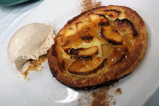 La descarada : Tarta de manzana con helado de canela