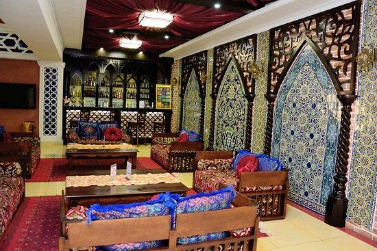 Asia Bukhara Restaurant: Lobby bar