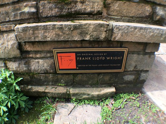 Seth Peterson Cottage: Frank Lloyd Wright plaque