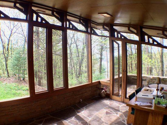 Seth Peterson Cottage: Interior looking outside
