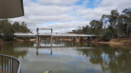 Cobba Paddleboat: Cobram Bridge opened 1902. Now just a footbridge.