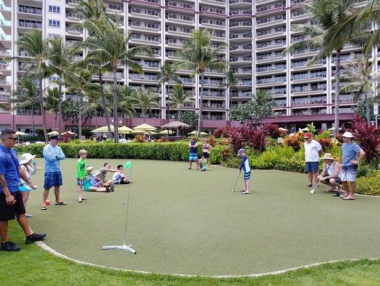Hyatt Residence Club Maui, Ka'anapali Beach : Putting contest