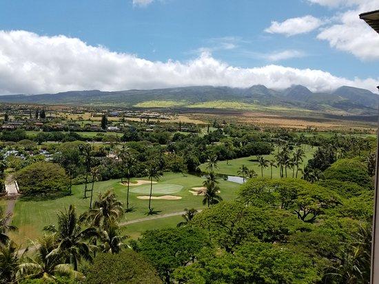 Hyatt Residence Club Maui, Ka'anapali Beach : Mountain views from the front door