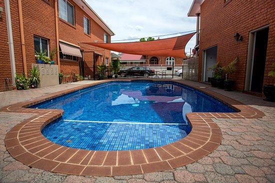 Meramie Motor Inn : Our beautiful pool