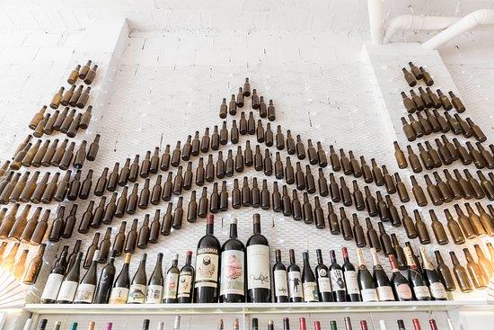 La Gloria : Una gran selección de vinos por copas y botellas WINE LOVERS