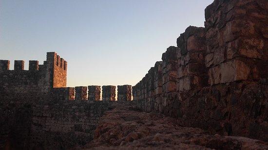 Castelo de Leiria : muralhas