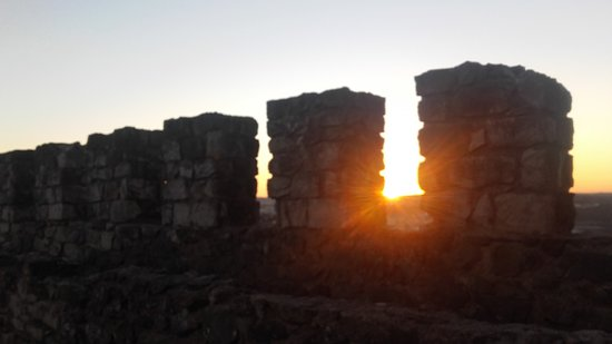Castelo de Leiria : sol nas muralhas