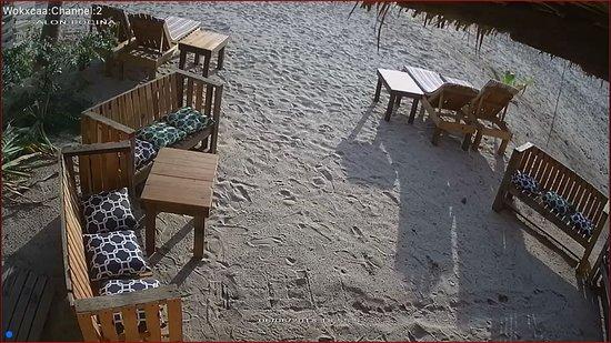 Wok-xaca: Sillones al aire libre en la playa