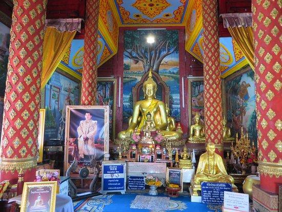 วัดผาบ่อง (มังคลาราม): 5礼拝堂の仏像