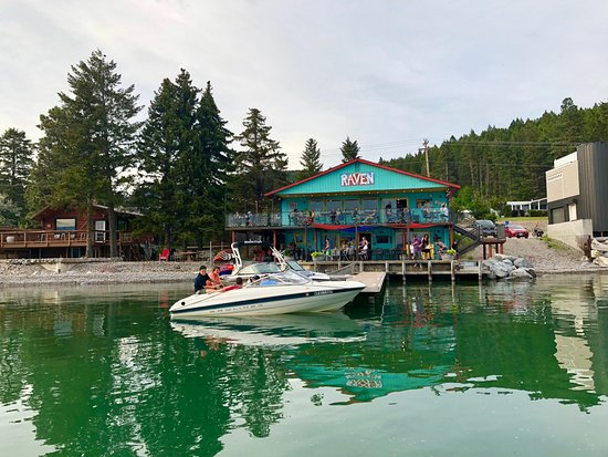 Bigfork, MT: The Raven is one of Woods Bay restaurants with live entertainment.  Outside dining on the lake.