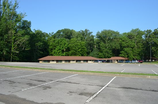 Sunset Terrace seen from Mammoth Cave Hotel
