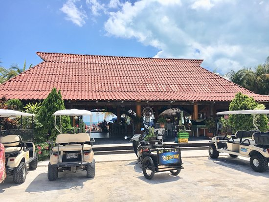 Playa Lancheros_La Casa del TikinXik_Isla Mujeres_Sanju-1