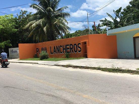 Playa Lancheros_La Casa del TikinXik_Isla Mujeres_Sanju-2