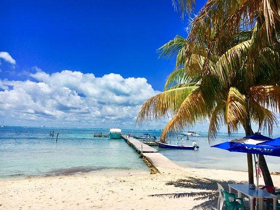 Playa Lancheros_La Casa del TikinXik_Isla Mujeres_Sanju-3