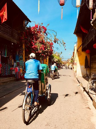 I Take You Shopping in Hoi An