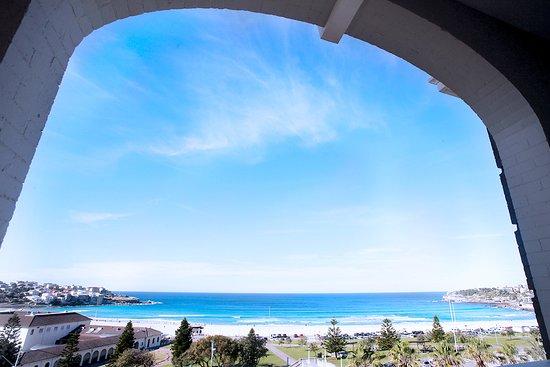 Hotel Bondi: Suite with balcony views