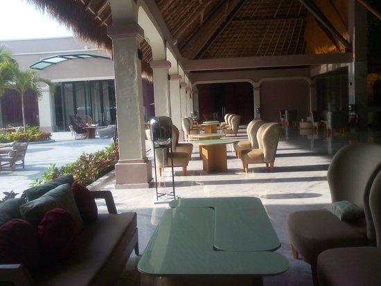 TRS Yucatan Hotel: Lobyy