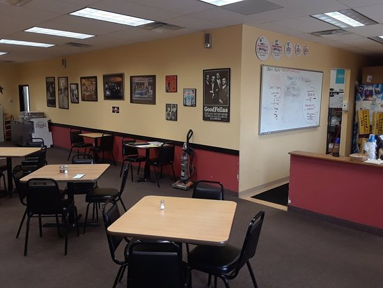 Albertville, MN: Andy's Hometowne Pizza