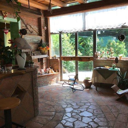 I Due Laghi: Interni ristorante agriturismo ...