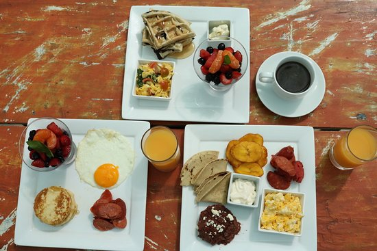 Santa Lucia, Honduras: Our complimentary breakfast options.